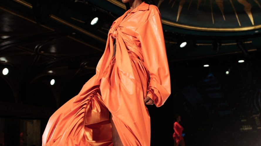 ナオミ・キャンベルが開会した2020年のオートクチュールコレクション
